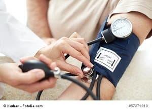 Alkohol und hoher Blutdruck – Zusammenhänge und Gefahren