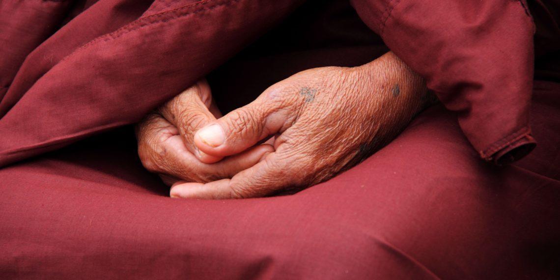 Rissige Hände: Ursachen, Tipps und Hausmittel bei schmerzenden und juckenden Händen