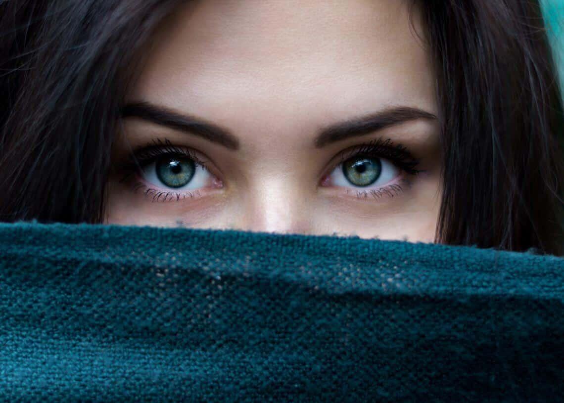 Fadenlifting um die Augen und im Gesicht: Risiken, Kosten, Wirkungsweise