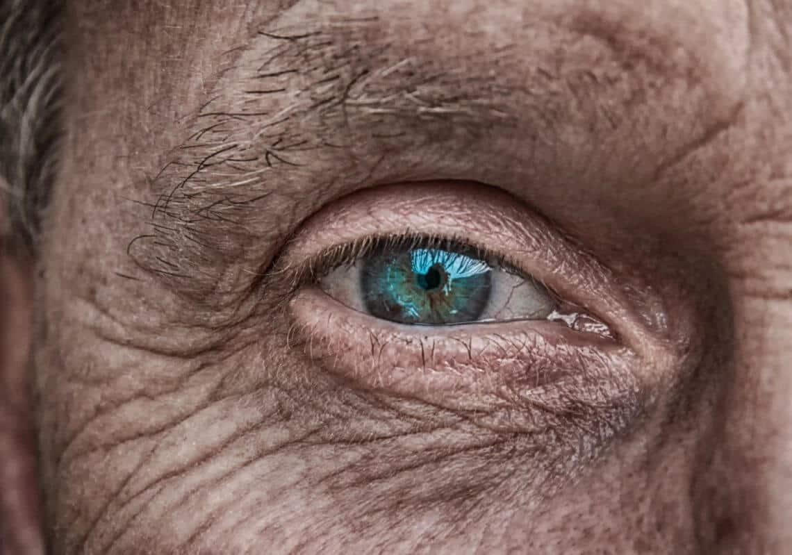 Faltenbehandlung: Die besten Methoden für dauerhaft glatte Haut