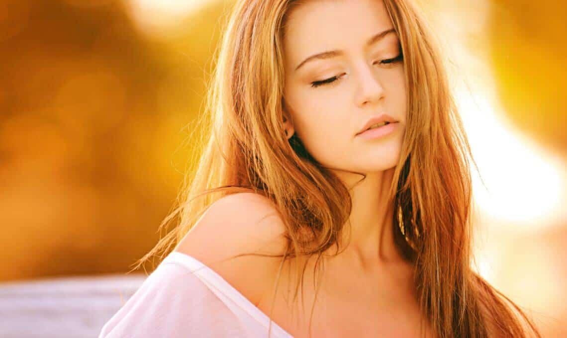 Halsstraffung: So funktioniert das Halslifting